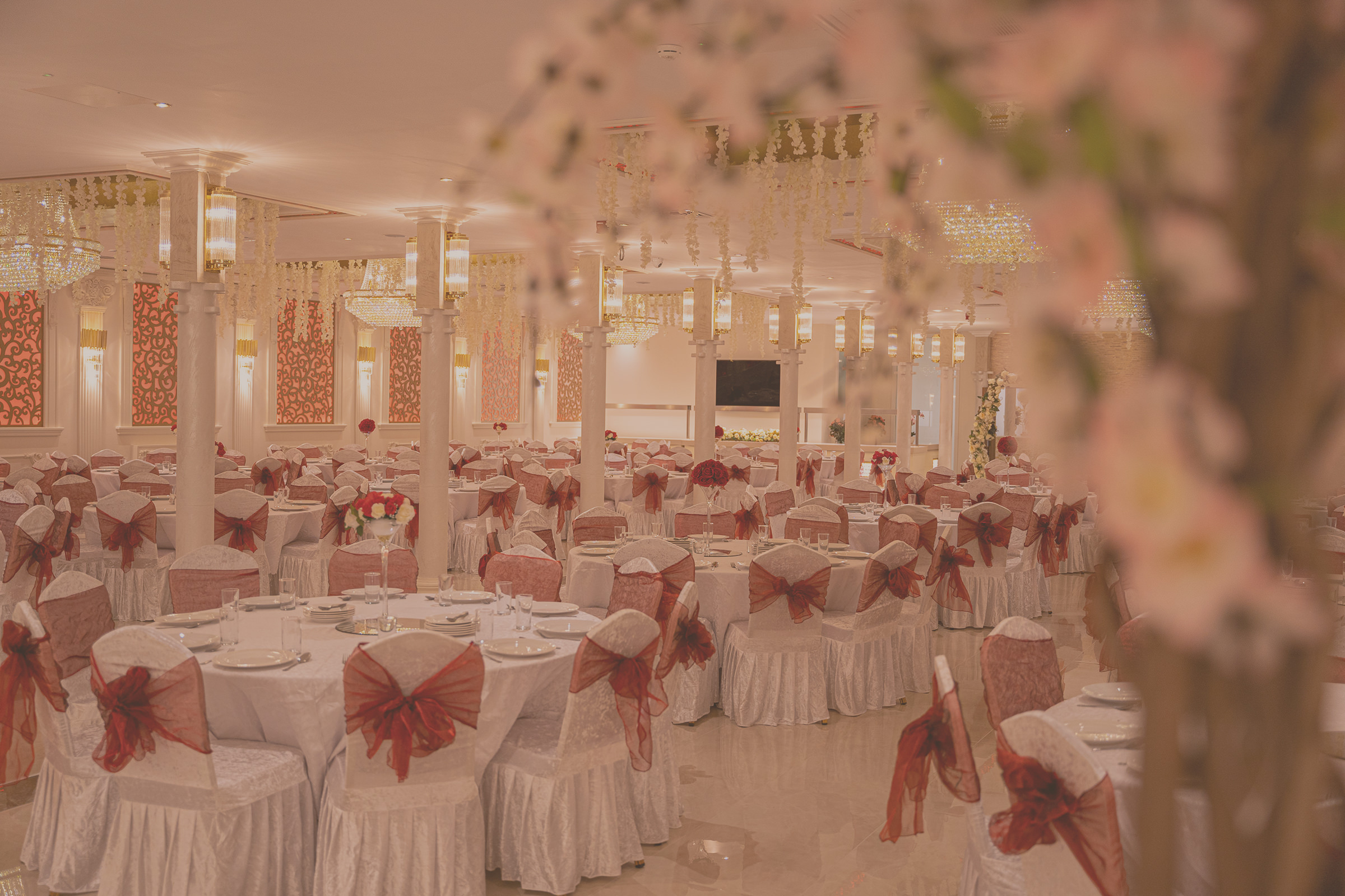 Gather up to 1,000 guests for a grand celebration in the Mirage Ballroom wedding hall.